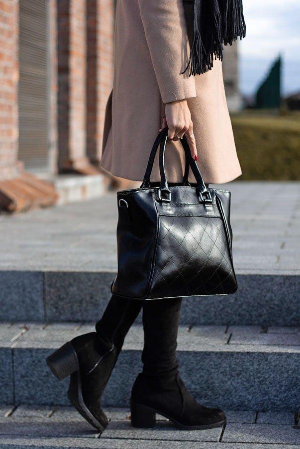 DAN-A T255 czarny elegancki kuferek ze skóry naturalnej