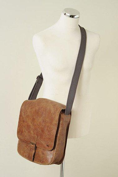 DAAG Jazzy Wanted 9 brązowa torba skórzana unisex listonoszka przez ramię