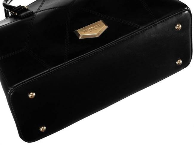 Kuferek damski czarny Monnari BAG2910-020