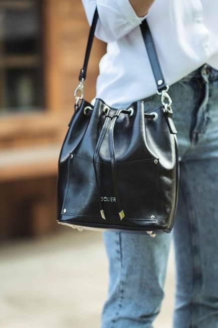 Skórzana torba damska worek Solier czarna