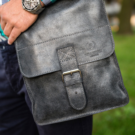Skórzana torba męska listonoszka Paolo Peruzzi Adventure GA130 szara