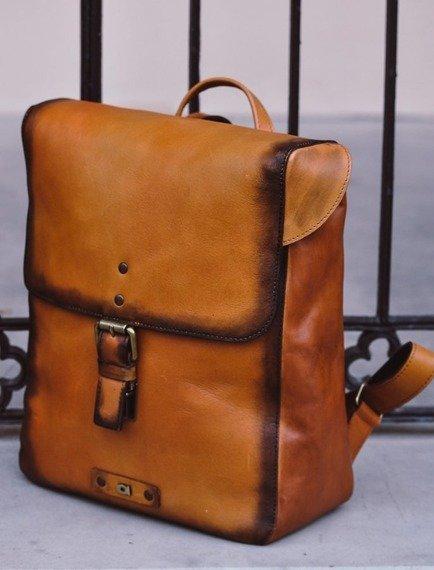 Skórzany plecak unisex DAAG ALIVE 38 koniakowy