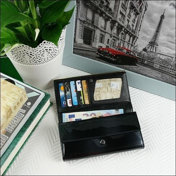 Skórzany portfel damski lakierowany czarny Paris Design 64003